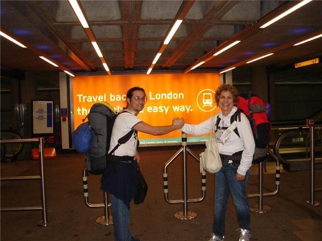 Eu e Marcelo na chegada em Londres