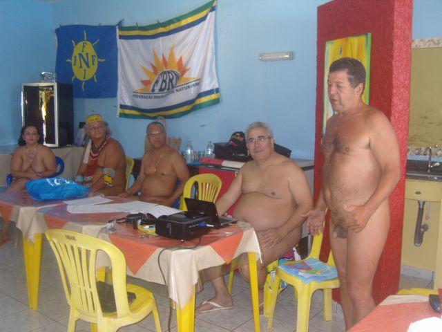 Marcio Braga dando as boas vindas aos naturistas