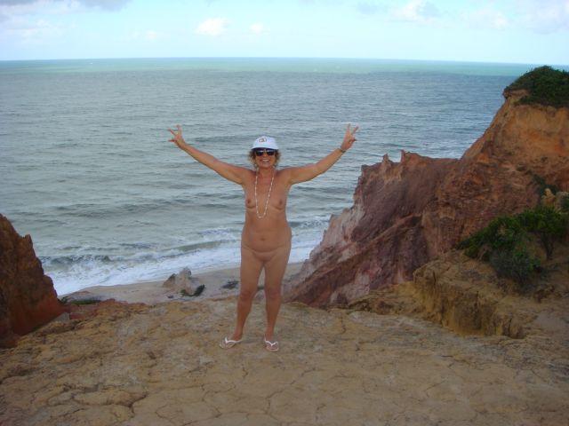 Do alto das falésias na praia da Arapuca