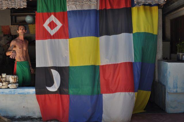 Com estas cores se fazem todas as bandeiras