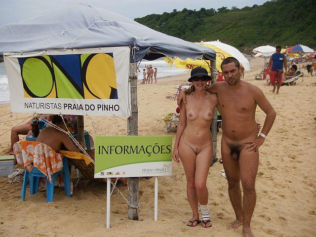No detalhe Marcelo e Carina na praia do Pinho