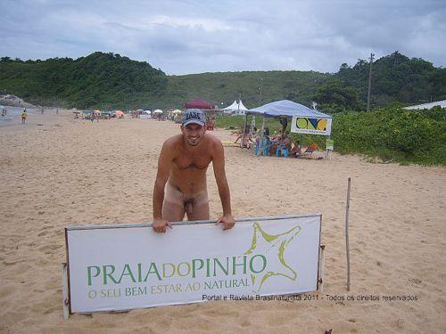Praia do Pinho a maior praia naturista brasileira