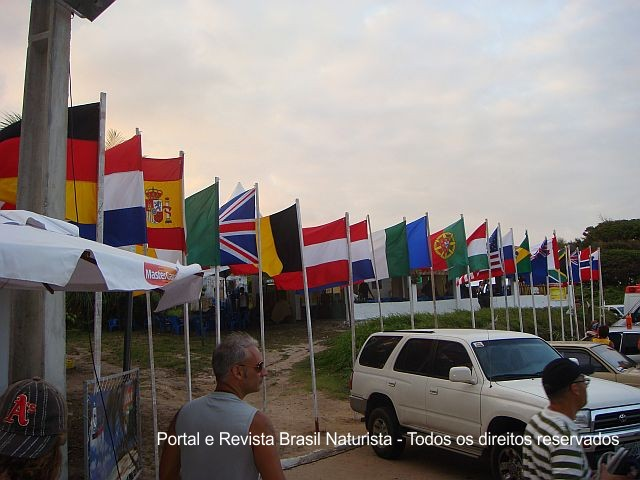 O mundo naturista representado por suas bandeiras na Paraíba
