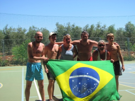 Diogo representante brasileiro do time campeão de vólei