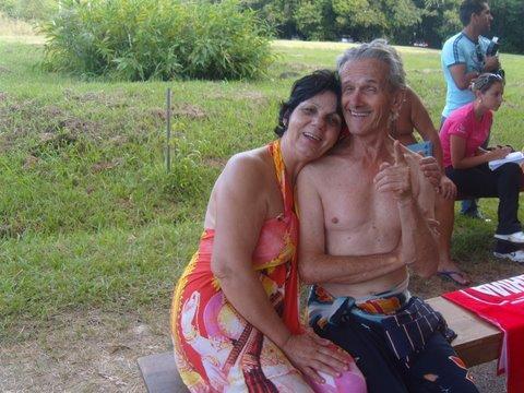 Ao lado de sua mulher Zenir, companheira de uma vida