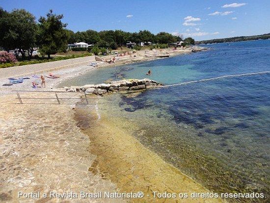 Os muitos tons de azul do oceano Adriático na Croácia