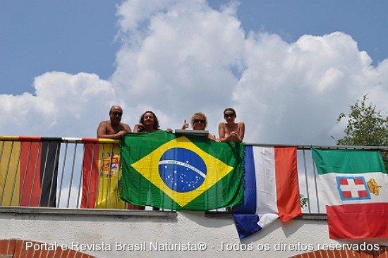 Colocamos nossa bandeira bem no alto em Le Betulle/Itália