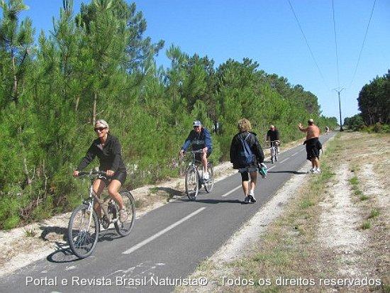 E tinha muita estrada ainda para percorrer na ciclovia que liga Montelivet a Euronat/França