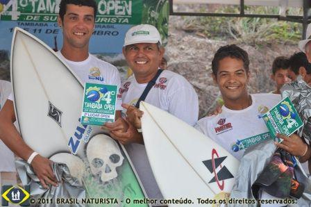 Os campeões ao lado de Carlos do Movimento Nu idealizador do campeonato