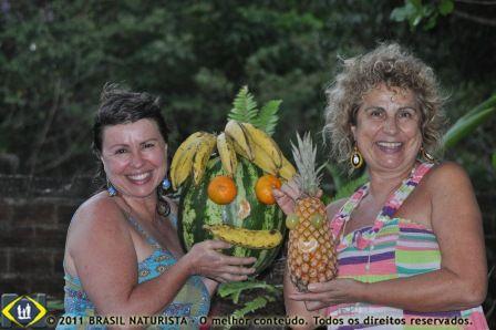 No dia comemorativo a árvore na Aldeia Flor D'Água as frutas ganharam destaque na mesa