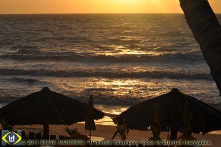 Na praia onde o sol nasce primeiro