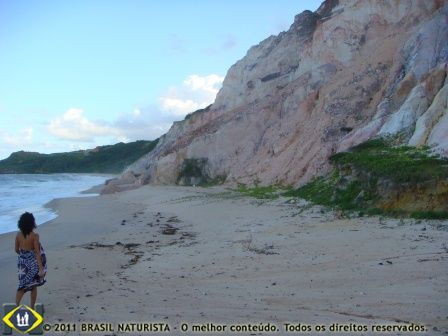 Areia onde são recolhidos o lixo trazido pelo mar