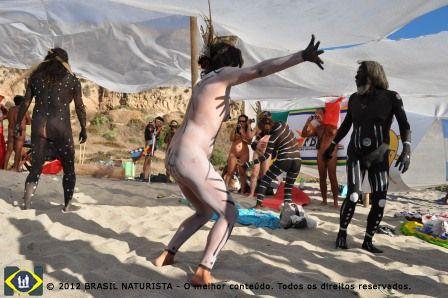 Uma dança ritualistica dentro do Encontro de Nações Latinas Americanas