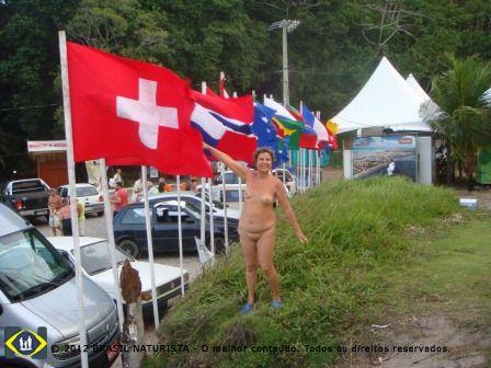 São locais naturistas que promovem o naturismo para o mundo inteiro