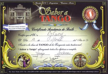 """Com direito ao diploma da aula de dança antes do show no 'Sabor a Tango"""""""