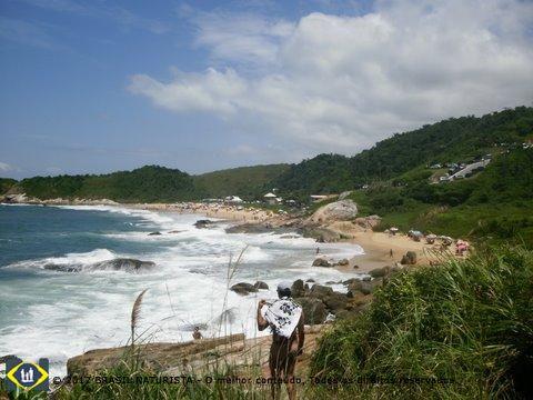 Vista da praia naturista do Pinho/SC