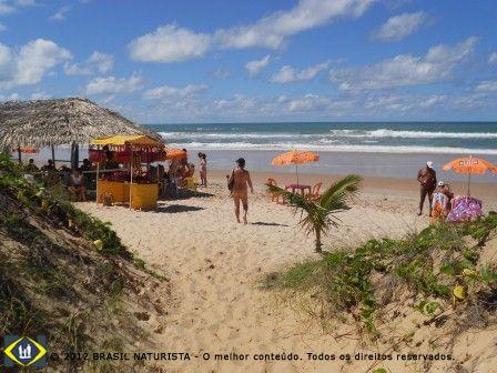 Meu trabalho é na praia para informar tudo que ocorre no naturismo no Brasil e no mundo