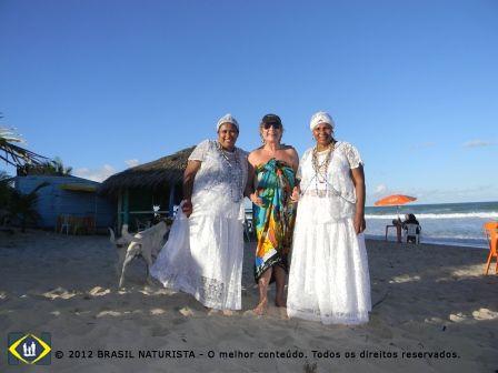 As baianas e seus maravilhos quitudes para adoçar os frequentadores da praia