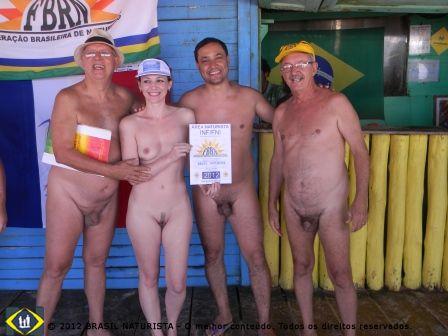 Brasil Naturista recebendo o certificado da federação