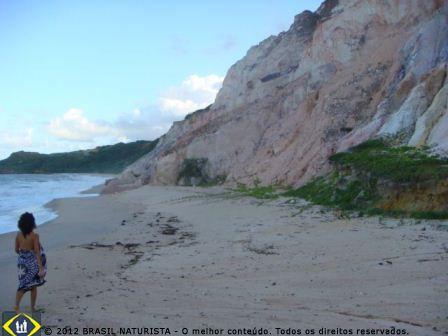 A caminhada no final da tarde na praia da Arapuca/PB
