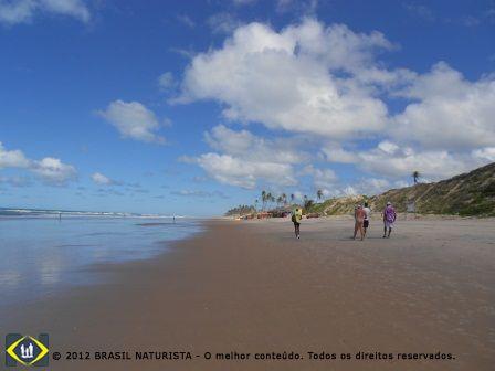 O trecho naturista da praia de Massarandupió/Entre Rios/Bahia