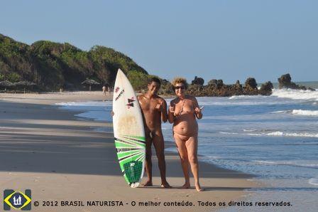 Na praia de Tambaba com o campeão do 4º Open de Surf Naturista