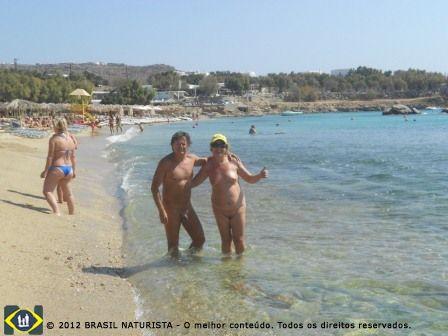 Eu e Carlos direto das areias de Paraga Beach...