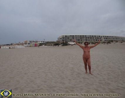 Eu na mais famosa cidade de nudismo da França: Cap D'Adge