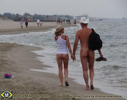 Passeando na beira da praia
