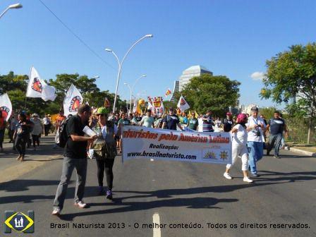 Participando da marcha pelas ruas de Porto Alegre até o anfiteatro Por do Sol