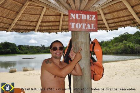 O lago, obra que surgiu da iniciativa de um local para a pratica do naturismo