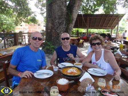 Almoço com os amigos Alex e Evânnio no Restaurante Sombra da Mangueira