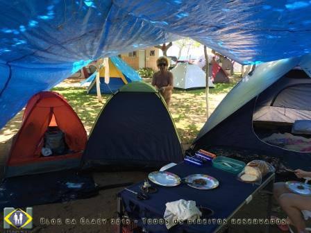Arrumação do acampamento...