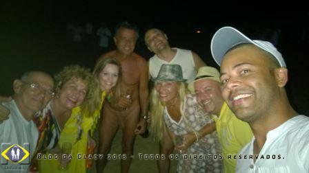Confraternização com os velhos e novos amigos naturistas que se encontravam na praia do Pinho.