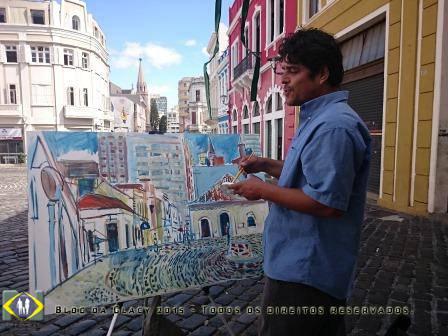 Artista usando o Largo da Ordem como inspiração.