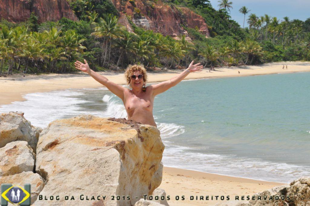 Na busca de um local deserto na Praia do Espelho - Porto Seguro - Bahia