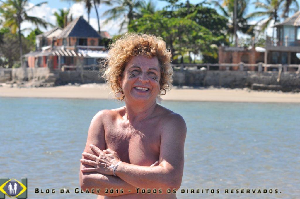 Praia de Ponta Grande é permitido o topless - Porto Seguro- Bahia - Brasil