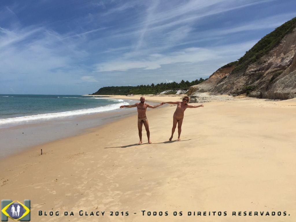 A nudez do corpo liberdade de alma. Praia do Espelho - Porto Seguro - Bahia - Brasil