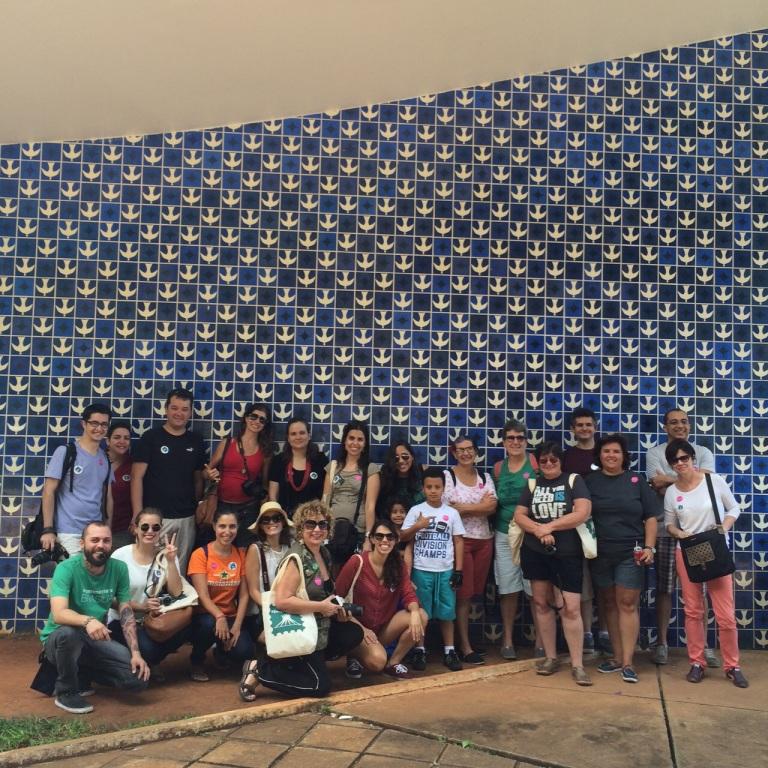 Grupo de blogueiros na Igreja Nossa Senhora de Fátima